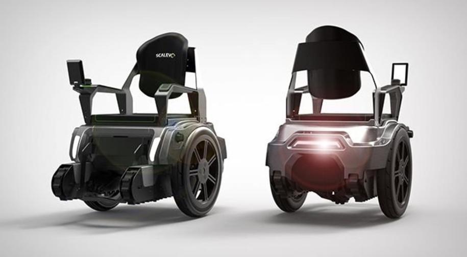 des tudiants con oivent un fauteuil roulant qui monte et. Black Bedroom Furniture Sets. Home Design Ideas