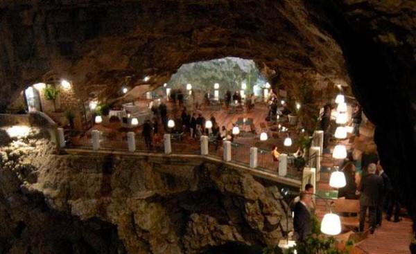 restaurant grotte